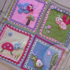 My Garden Bug Blanket This crochet pattern is available for free. Full post: My Garden Bug Blanket Crochet Afghans, Afghan Crochet Patterns, Baby Blanket Crochet, Crochet Motif, Crochet Granny, Crochet Blankets, Flower Crochet, Baby Afghans, Crochet Crafts
