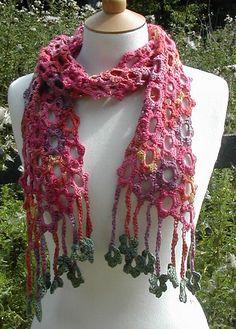 the sweet little flower danglies add a lot : ) Crochet Scarves, Crochet Shawl, Crochet Clothes, Crochet Baby, Knit Crochet, Crocheted Scarf, Yarn Projects, Crochet Projects, Crochet Crafts