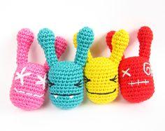 Free crochet pattern: Rattle Monsters // Kristi Tullus (sidrun.spire.ee)
