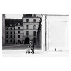 Les Invalides #ManuelaSanoja #getcloser100 #photography #Paris #LesInvalides #blackandwhite | #getcloser100 Paris, Louvre, Building, Photography, Travel, Photograph, Viajes, Buildings, Photography Business