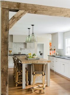 Love raw wooden accent beams.