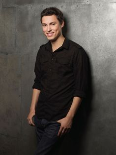 Actor John Francis Daley is not Dating: No Girlfriend: Rumored to be a Gay