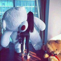 I love teddy bear . Huge Teddy Bears, Giant Teddy Bear, Fit And Flare Wedding Dress, Modest Wedding Dresses, Image Swagg, Teady Bear, Teddy Girl, Teddy Bear Pictures, Girly Pictures