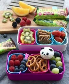 Lunchbox love for every day ::: Back to school with Crunchy R .- Lunchboxliebe für alle Tage ::: Back to school mit Crunchy Riegeln Lunchbox love for every day ::: Back to school with crunchy bars, - Kids Lunch For School, Healthy Lunches For Kids, Lunch To Go, Kids Meals, School Snacks, School Ideas, Lunch Box Recipes, Lunch Snacks, Lunch Ideas