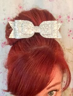 Oversized large glitter double bow hair clip! Available in Gold, Silver, Rose Gold & Black