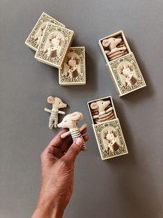 Matchbox Crafts, Matchbox Art, Felt Crafts, Diy And Crafts, Crafts For Kids, Wood Crafts, Baby Mouse, Fabric Toys, Felt Toys