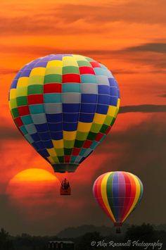 Balloons at sunset. Alex Racanelli Photography