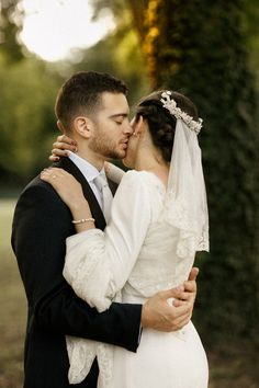 Outdoor Couple, Real Weddings, Couple Photos, Couples, Wedding Dresses, Couple Shots, Bride Dresses, Bridal Gowns, Weeding Dresses