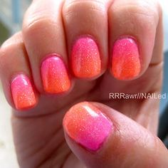 sunset colored nails to make your sunset wedding glow!