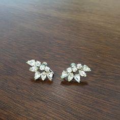 Beautiful vintage screw back earrings
