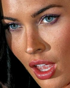 Megan Fox/Close up I can say only OMG! Look at her eyes world's most beautiful attractive eyes and face Megan Fox Hot, Megan Denise Fox, Megan Fox Lips, Pretty Eyes, Beautiful Eyes, Beautiful Women, Megan Fox Pictures, Celebs, Celebrities