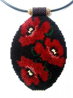 peyote poppy - beaded with black Seed Bead Jewelry, Beaded Jewelry, Beaded Bracelets, Beaded Crafts, Beaded Ornaments, Bead Embroidery Jewelry, Beaded Embroidery, Peyote Patterns, Beading Patterns