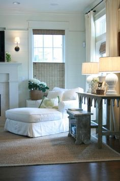 a white chaise lounge & a gray-washed console table w/ a bench (interesting) make a cozy corner. Via Marley and Lockyer {white rustic living room}--love the accent table! Cottage Living Rooms, My Living Room, Home And Living, Living Spaces, Cozy Living, Gray Console Table, Table Bench, Table Lamps, Wood Table