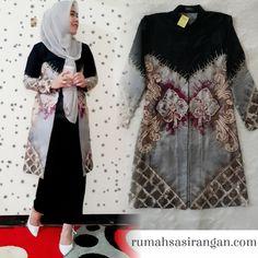 Kurti Sleeves Design, Batik Dress, Kebaya, Sleeve Designs, Blues, Kimono Top, Modern, Outfits, Tops