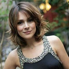 Chic Short Hair Ideas for Round Faces - Love this Hair kurze haare sch. - Chic Short Hair Ideas for Round Faces – Love this Hair kurze haare schicke Chic Short H - Short Hair Styles For Round Faces, Hairstyles For Round Faces, Medium Hair Styles, Haircuts For Round Face Shape, Chic Short Hair, Short Hair Cuts, Layered Bob Hairstyles, Bob Haircuts, Short Hairstyles