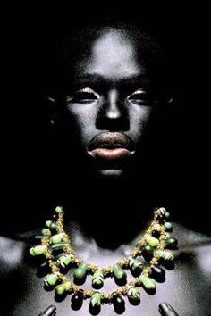 Ajuma Nasenyana - African Super Model (Kenya, Turkana Tribe) ! http://www.flyabs.com