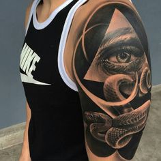 triangle eye and snake tattoo on shoulder Detailliertes Tattoo, Snake Tattoo, Body Art Tattoos, Tribal Tattoos, Sleeve Tattoos, Eye Tattoos, Tribal Style, Tattoo Japonais, Tattoos For Guys