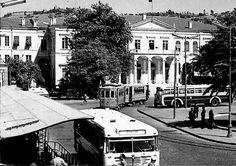 Konak Meydanı ve Burunsuz Bussing Muzaffer Ceyhan Yerlikaya arşivi.