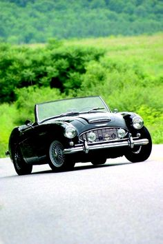 1959 Austin-Healey 3000 | Mark 1 | Big Healeys | British Sports Car | 2 Door Roadster | Produced between 1959 - 1967 - LGMSports.com