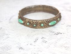 ANTIQUE VICTORIAN  GREEN PEKING GLASS FILAGREE  BANGLE BRACELET
