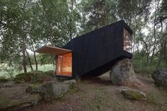 The Forest Retreat in Czech Republic is a minimalist getaway with several uses. See more at: http://humble-homes.com/forest-retreat-czech-republic-minimalist-getaway/