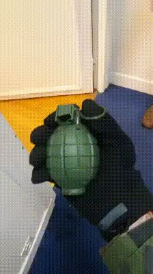 Funny, animated GIFs: Your favorite computer file type! Funny As Hell, Wtf Funny, Funny Cute, Hilarious, Funny Pranks, Funny Memes, Military Jokes, Ver Memes, Twisted Humor