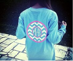 How cute would this be on the back of the shirt with a pocket monogram on the front! Preppy Style, Style Me, Classy And Fabulous, Looks Cool, Swagg, Playing Dress Up, Dress Me Up, Autumn Winter Fashion, Fall Winter