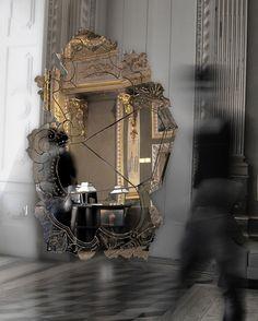 VENICE MIRROR BY BOCA DO LOBO | Venice Mirror | www.bocadolobo.com/ #inspirationideas #luxuryfurniture #interiordesign