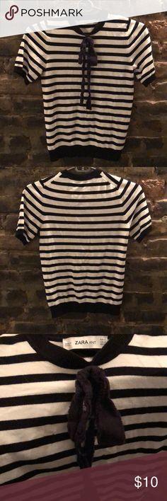 Zara striped Parisian sweater Cute bow and stripe Zara Sweaters Crew & Scoop Necks