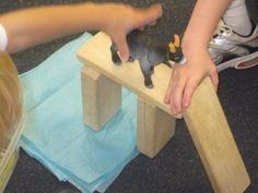 3 Billy Goats Gruff Block Play  from: http://www.teachpreschool.org/2010/09/billy-goats-gruff-block-play-in-preschool/