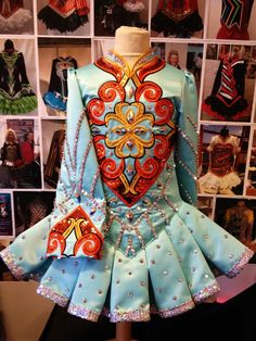 solo dress. like the sky blue color with warm knotwork.