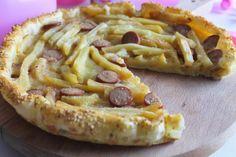 Torta rustica con patatine fritte, wurstel e mozzarella