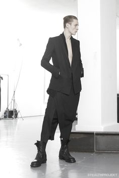 JULIUS A/W 2013 : INSTALLATION / SHOW  #fashion #avantgarde #dark #Minimal #simple #black #trends #style #wearing