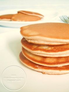 Pancakes alti e spugnosi Healthy Breakfast Muffins, Breakfast Bake, Breakfast Recipes, Breakfast Ideas, Breakfast Casserole With Biscuits, Pancakes And Waffles, Easy Cake Recipes, Sweet Recipes, Cooking For Dummies