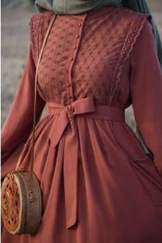Hijab Style Dress, Modest Fashion Hijab, Modern Hijab Fashion, Abaya Fashion, Muslim Fashion, Fashion Dresses, Mode Abaya, Mode Hijab, Estilo Abaya