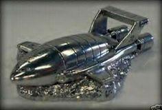 Thunderbird 2 Salt/pepper shaker set.