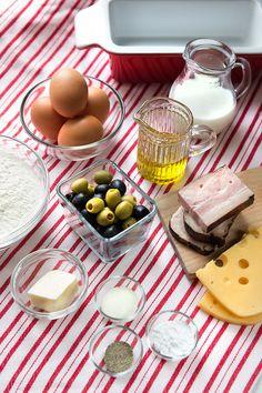 Mimo oliv, sýra a slaniny můžete použít čerstvé bylinky, sušená rajčata nebo třeba fetu; Mona Martinů