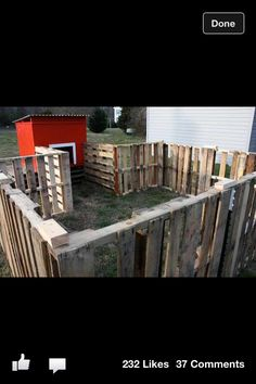 pallet fence for chicken coop. Rob Theriault pallet fence for chicken coop. Rob Theriault The post pallet fence for chicken coop. Rob Theriault appeared first on Pallet Diy. Pallet Playhouse, Pallet Fence, Dog Fence, Diy Pallet, Farm Fence, Pallet Ideas, Pallet Barn, Gabion Fence, Fence Planters