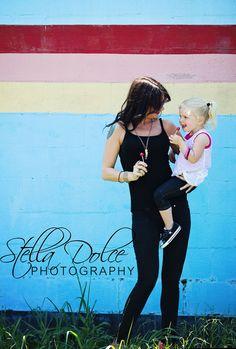 Lollipop session   Stella Dolce Photography www.stelladolcephotography.com - #kids #bluewall #sucker #lollipop #fun