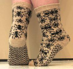 Ravelry: Formication pattern by Karin Aida Knitting Stitches, Knitting Socks, Knitting Patterns, Knit Socks, Knitting Machine, Crochet Quilt, Knit Crochet, Chrochet, Bed Socks