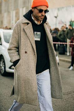 The best street style from the menswear autumn/winter season - Vogue Australia Tokyo Fashion, Nyc Fashion, Cool Street Fashion, Mens Fashion, Mens Autumn Fashion, Street Style Trends, Autumn Street Style, Casual Street Style, Camel Coat Men