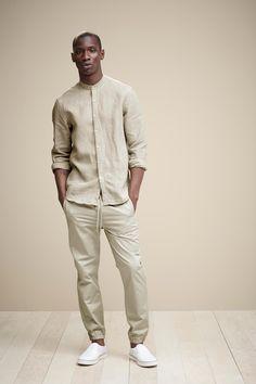 Neutral Zone - Simons Mandarin Collar Shirt & Urban Cotton Joggers. http://www.simons.ca/simons/product/7106-178245/Long+sleeves/Mandarin-collar+shirt?/en/&catId=c1581&colourId=16 #menswear #minimalist