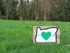 Heart in Oregon wood sign, Heart in Oregon, Oregon state sign, Oregon rustic wood sign, Oregon with green heart, hand painted Oregon sign by CKwoodCo on Etsy https://www.etsy.com/listing/526687349/heart-in-oregon-wood-sign-heart-in