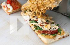 After Eleven, le food truck Italien, propose de délicieuses focaccias, pizzas ou salades italiennes, avec une pâte à pizza faite maison et des produits très frais. Léa est allée y faire un tour ! Au food truck After Eleven, la part de pizza est à 4€ et la focaccia à 7€ mais une formule midi [...]