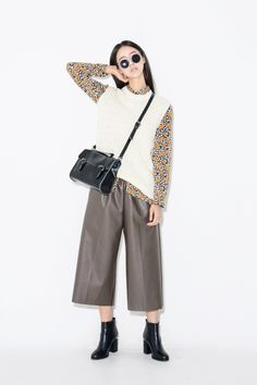 Glossy pull-on culottes