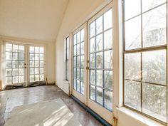 807 Kidd Springs  | 3bedrooms/1 baths | 317K  |  OakCliff Dallas   MollyBranch | 972-375-6882