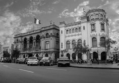 Plaza San Martin y sus alrededores -Lima - Perú