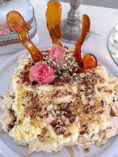 Nougatina, meringue with nuts,dates & honey