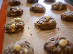 Gluten Free Chocolate Chip N' Mac Nut Cookies made with Banana Flour Flour Recipes, Gluten Free Recipes, Cookie Recipes, Banana Flour, No Flour Cookies, Healthy Sweets, Healthy Habits, Desserts, Dessert Recipes