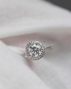 LOVELY Engagement Ring!